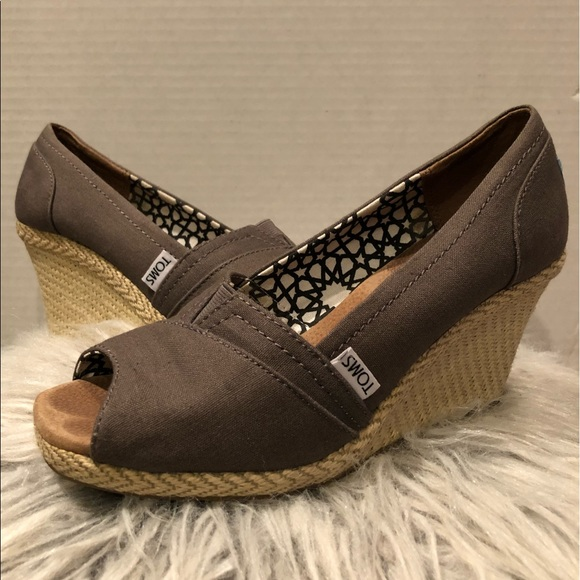 5732285d839f Toms Shoes - TOMS Calypso Peep Toe Canvas Wedges - size 8